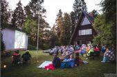 Ziedoņa muzeja brīvdabas kino vakars: