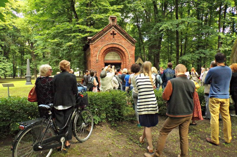 Ekskursija - Rīgas Lielie kapi