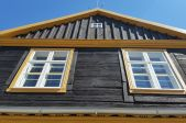 Vai vecās kocenes ir Latvijas būvmāksla? Ievads vecu koka māju lasīšanas prasmē.