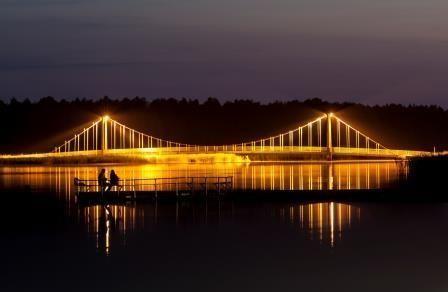 Latvijas un Igaunijas izgaismotie objekti (torņi, pilis, tilti, strūklakas u.c.)