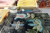 Māmiņdienas dāvanu darbnīca – zīda lakata vai šalles apgleznošana