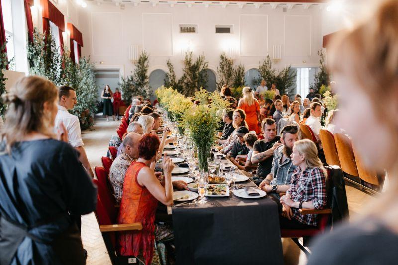 Garo galdu restorāns Līgatnes kultūras namā