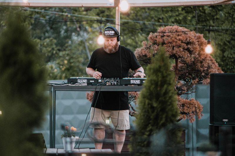 Ansis Klintsons un DJ Inga Jerzjukova